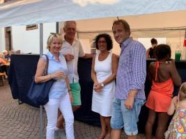 Martina, Hans und Helga mit BGM Martin Stock am Cocktailstand