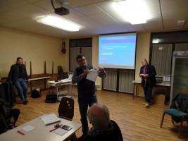 Jörg Frieß stellt den Medikationsplan vor.